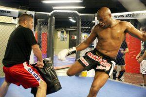 Anderson-Silva-training